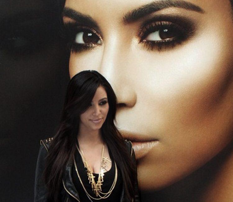 backstage-Kim-Kardashian
